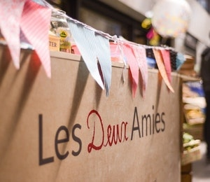 Meet the Maker: Les Deux Amies