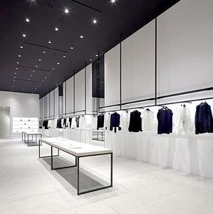 Comment transformer une galerie d'art en boutique éphémère ?