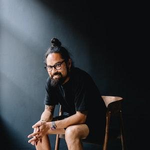 Les conseils d'Atip Wananuruks aux jeunes designers
